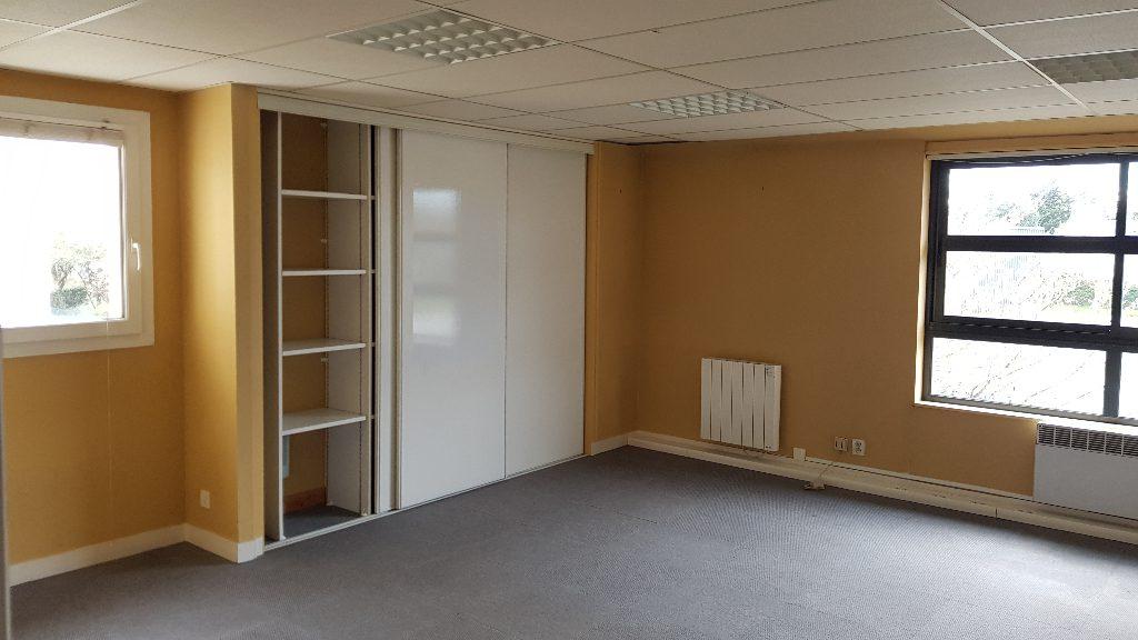 VANNES CENTRE VILLE – BUREAUX DE 50 m²